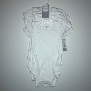 💴 Carter's White Onesie 5 pack NWT 12 Month